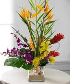 Beautiful-Tropical-Floral-Arrangements